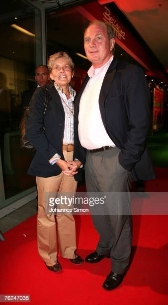 Uli Hoeness and his wife Susi pose at the premiere of 'FreiGespielt' on August 23 2007 in Munich Germany The movie by German directors Eduard...