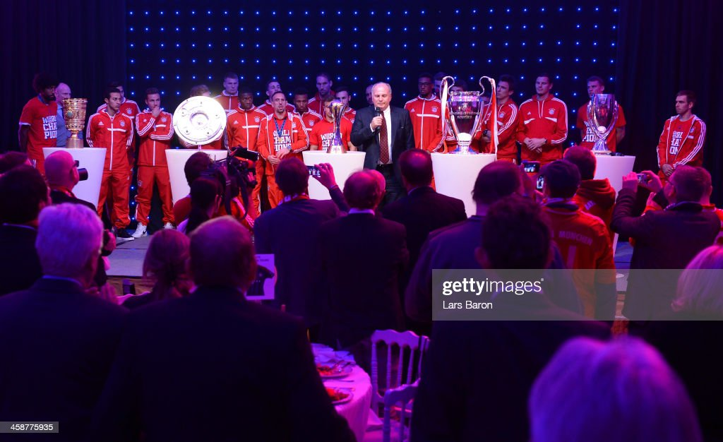 <a gi-track='captionPersonalityLinkClicked' href=/galleries/search?phrase=Uli+Hoeness&family=editorial&specificpeople=634868 ng-click='$event.stopPropagation()'>Uli Hoeness</a>, president of Bayern Muenchen, holds a speach during the Banquet after the FIFA Club World Cup Final between FC Bayern Muenchen and Raja Casablanca at Marrakech Stadium on December 21, 2013 in Marrakech, Morocco.