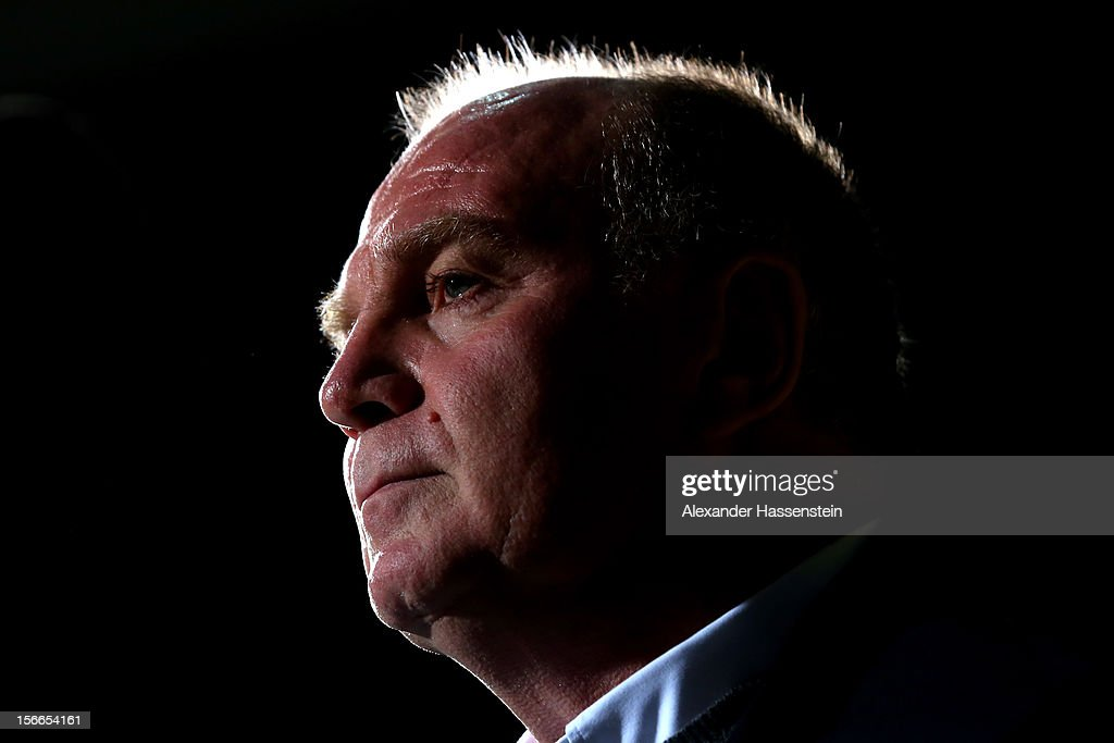<a gi-track='captionPersonalityLinkClicked' href=/galleries/search?phrase=Uli+Hoeness&family=editorial&specificpeople=634868 ng-click='$event.stopPropagation()'>Uli Hoeness</a>, President of Bayern Muenchen looks on prior the Beko Basketball match between Brose Bamberg and FC Bayern Muenchen at Stechert Arena on November 18, 2012 in Bamberg, Germany.