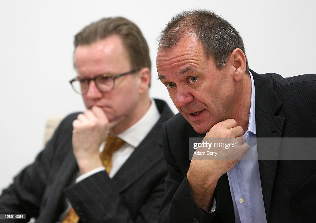 Ulrich Ende, dapd news agency investor and former head of NTV television network (R), and Insolvency lawyer Christian Koehler-Ma attend a news conference on December 21, 2012 in Berlin, Germany. The financial newswire Dow Jones is to replace Associated Press as an international distribution partner for the insolvent news agency dapd. Ende is serving as a new investor in the agency, Germany's second-largest news agency, which declared bankruptcy in October and fired one hundred, or one-third, of its employees the following month.