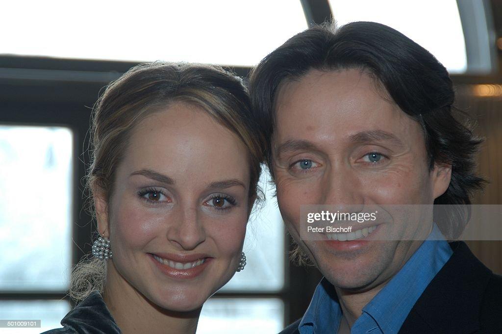 <b>Ulrich Reinthaller</b>, Lara Joy Körner, Pressekonferenz zum ARD-Film &#39;Der Arzt ... - ulrich-reinthaller-lara-joy-krner-pressekonferenz-zum-ardfilm-der-picture-id501009101