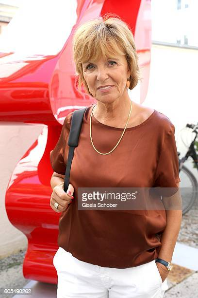 Ulrike Kriener during the Ladies Art Lunch at Galerie Vogdt on September 13 2016 in Munich Germany