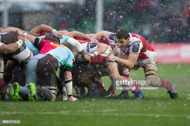 Ulsters Iain Henderson packs down at blindside in a scrum during the European Rugby Champions Cup match between Harlequins and Ulster Rugby at...