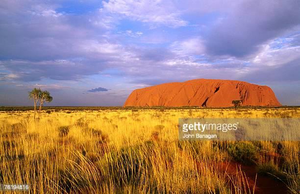 Uluru (Ayers Rock), Uluru-Kata Tjuta National Park, Northern Territory, Australia, Australasia