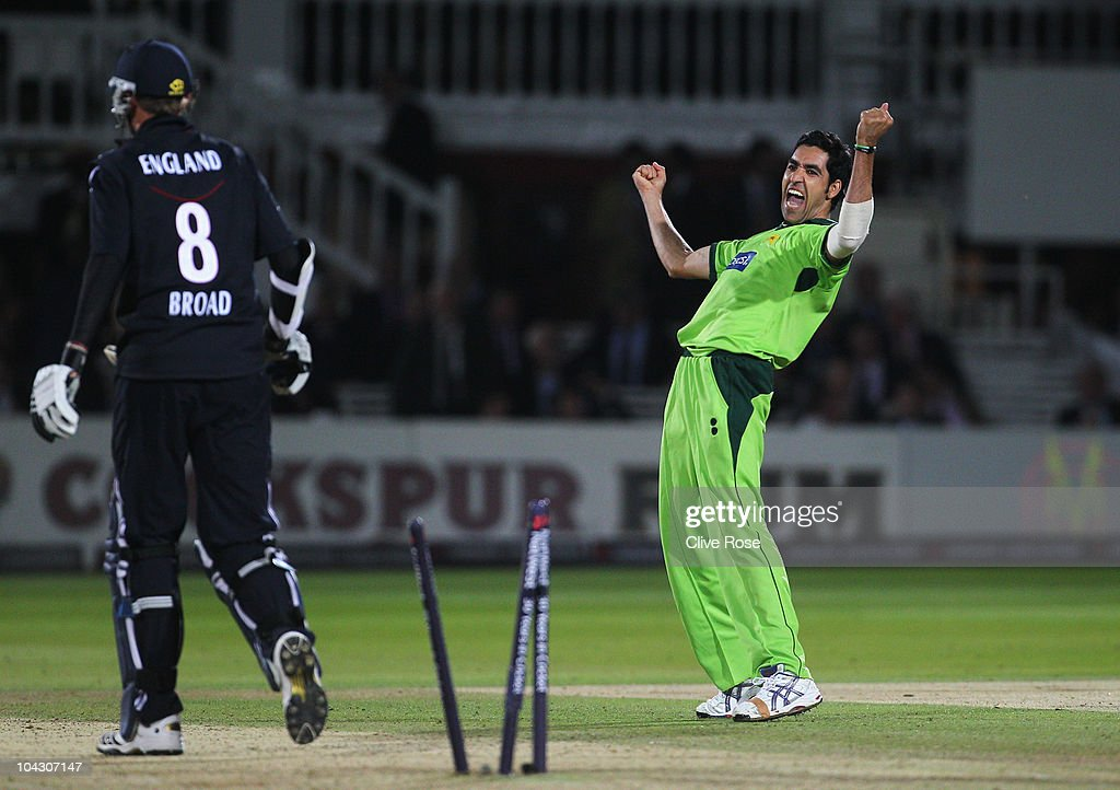 <a gi-track='captionPersonalityLinkClicked' href=/galleries/search?phrase=Umar+Gul&family=editorial&specificpeople=540300 ng-click='$event.stopPropagation()'>Umar Gul</a> of Pakistan celebrates the final wicket of <a gi-track='captionPersonalityLinkClicked' href=/galleries/search?phrase=Stuart+Broad&family=editorial&specificpeople=574360 ng-click='$event.stopPropagation()'>Stuart Broad</a> of England during the 4th NatWest One Day International between England and Pakistan at Lord's on September 20, 2010 in London, England.