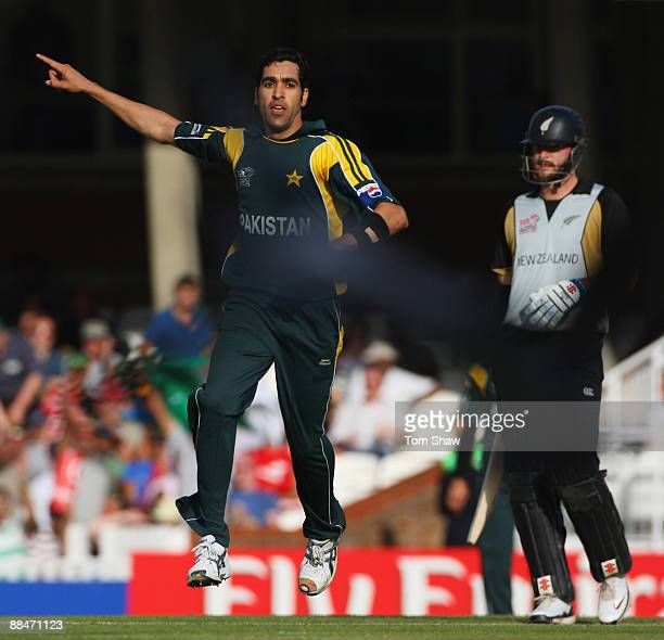 Umar Gul of Pakistan celebrates the wicket of James Franklin of New Zealand during the ICC World Twenty20 Super Eights match between New Zealand and...