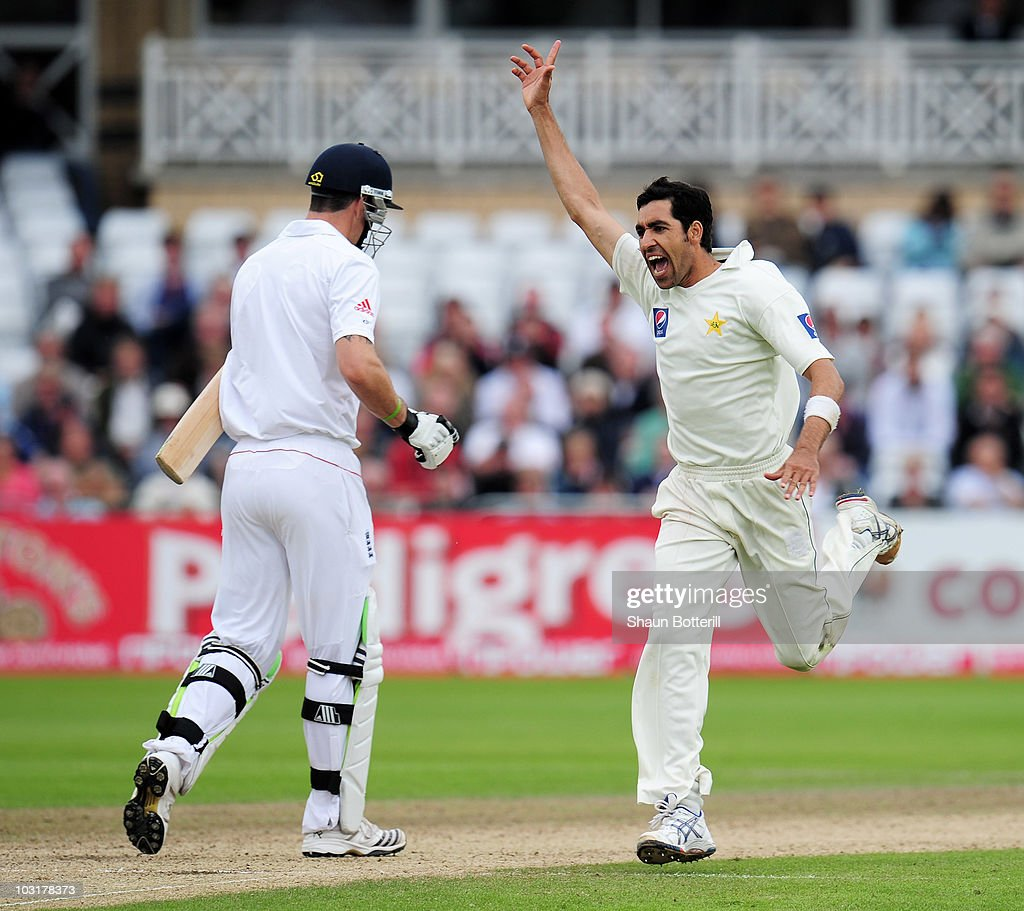Umar Gul of Pakistan celebrates the wicket of Kevin Pietersen of England during day three of the npower 1st Test Match between England and Pakistan at Trent Bridge on July 31, 2010 in Nottingham, England.