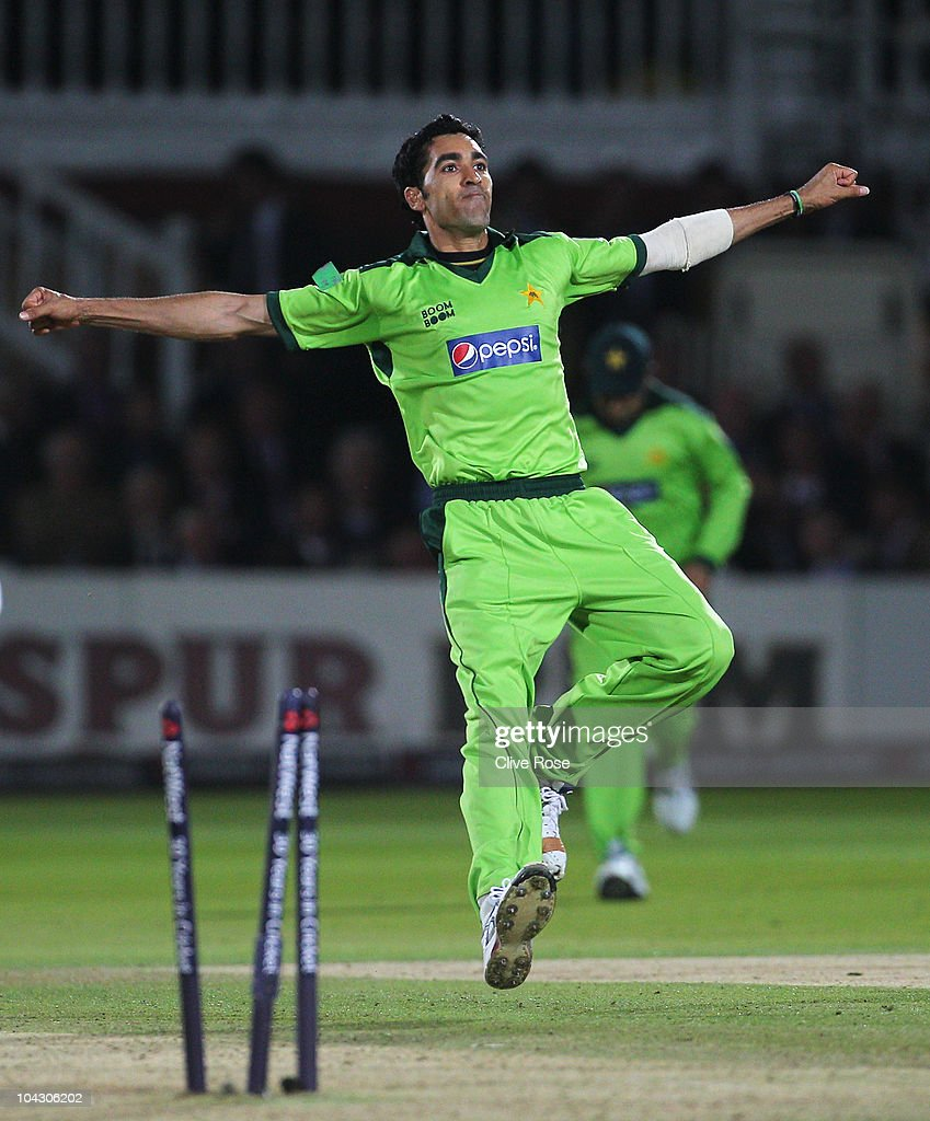 <a gi-track='captionPersonalityLinkClicked' href=/galleries/search?phrase=Umar+Gul&family=editorial&specificpeople=540300 ng-click='$event.stopPropagation()'>Umar Gul</a> of Pakistan celebrates the wicket of Tim Bresnan of England during the 4th NatWest One Day International between England and Pakistan at Lord's on September 20, 2010 in London, England.