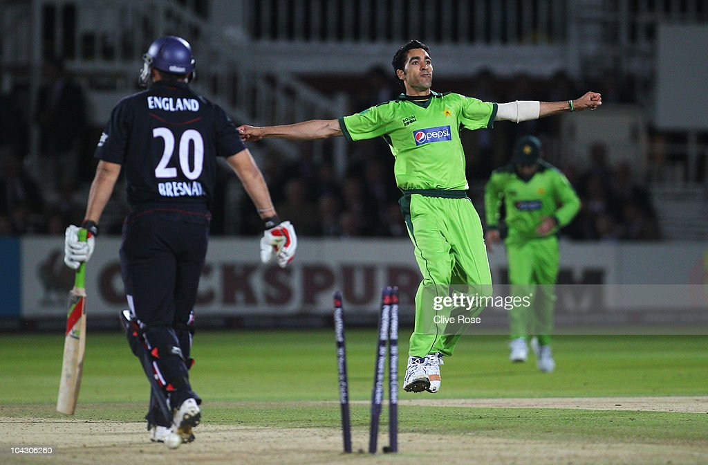 <a gi-track='captionPersonalityLinkClicked' href=/galleries/search?phrase=Umar+Gul&family=editorial&specificpeople=540300 ng-click='$event.stopPropagation()'>Umar Gul</a> of Pakistan celebrates the wicket of <a gi-track='captionPersonalityLinkClicked' href=/galleries/search?phrase=Tim+Bresnan&family=editorial&specificpeople=571509 ng-click='$event.stopPropagation()'>Tim Bresnan</a> of England during the 4th NatWest One Day International between England and Pakistan at Lord's on September 20, 2010 in London, England.