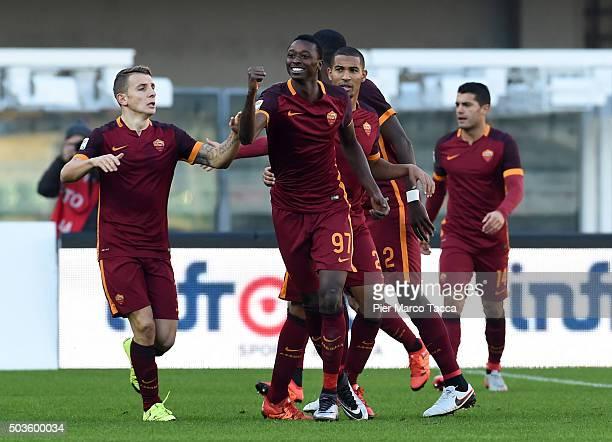 Umar Sadiq of AS Roma celebrates his first goal during the Serie A match between AC Chievo Verona and AS Roma at Stadio Marc'Antonio Bentegodi on...