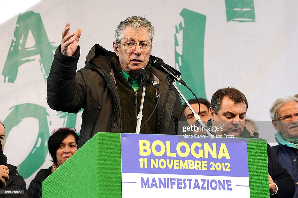 <a gi-track='captionPersonalityLinkClicked' href=/galleries/search?phrase=Umberto+Bossi&family=editorial&specificpeople=613296 ng-click='$event.stopPropagation()'>Umberto Bossi</a>, leader of Lega Nord political party, addresses the demonstration of protest against the Italian Government on November 11, 2012 in Bologna, Italy.