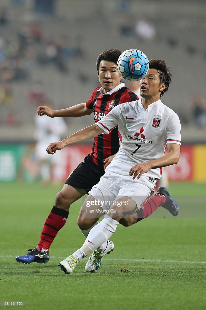 Umesaki Tsukasa of Urawa Red Diamonds in action during the AFC Champions League Round Of 16 match between FC Seoul and Urawa Red Diamonds at Seoul World Cup Stadium on May 25, 2016 in Seoul, South Korea.
