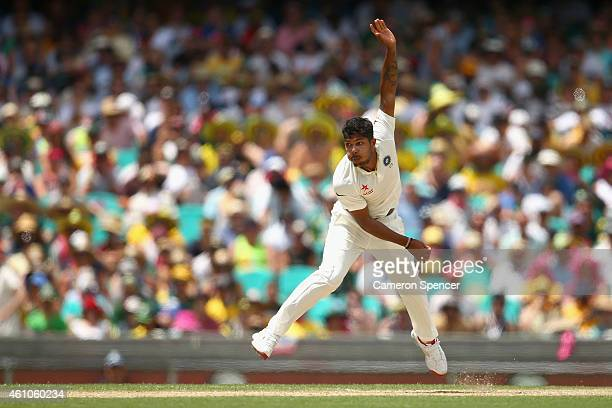 Umesh Yadav of India bowls during day one of the Fourth Test match between Australia and India at Sydney Cricket Ground on January 6 2015 in Sydney...