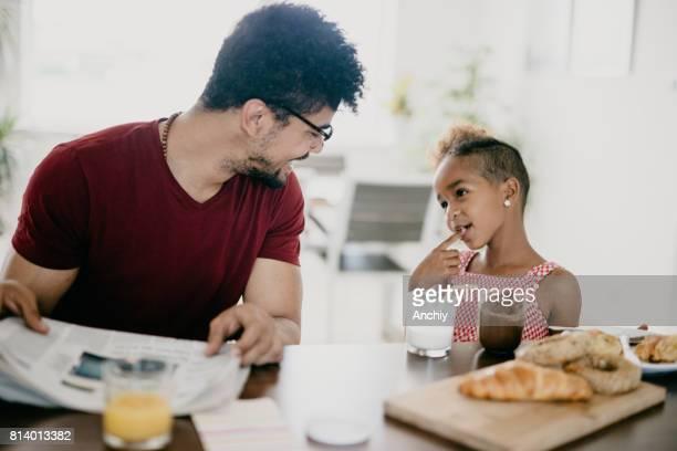 Ähm... Es war nicht beabsichtigt? Süßes Kind mit ihrem Vater.