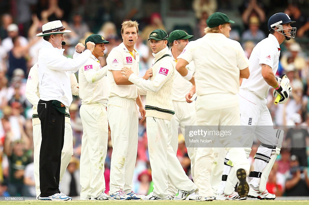 Umpire <a gi-track='captionPersonalityLinkClicked' href=/galleries/search?phrase=Billy+Bowden&family=editorial&specificpeople=228578 ng-click='$event.stopPropagation()'>Billy Bowden</a> refers a decision to the third umpire after Michael Beer of Australia took a wicket during day two of the Fifth Ashes Test match between Australia and England at Sydney Cricket Ground on January 4, 2011 in Sydney, Australia.