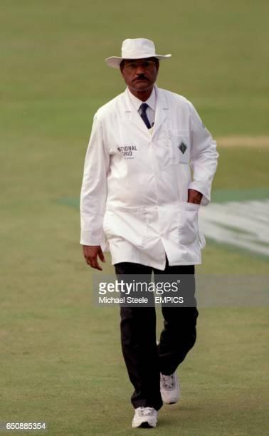 Umpire Javed Akhtar
