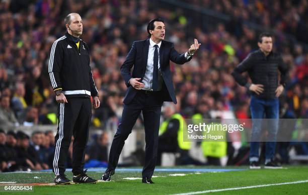 Unai Emery head coach of PSG gives instructions from the touchline uring the UEFA Champions League Round of 16 second leg match between FC Barcelona...