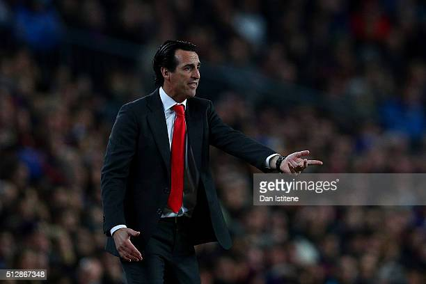 Unai Emery Head Coach of Sevilla FC reacts during the La Liga match between FC Barcelona and Sevilla FC at Camp Nou on February 28 2016 in Barcelona...