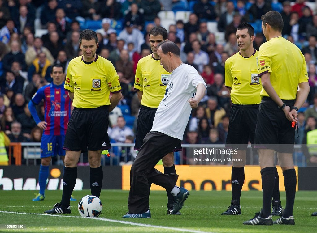 Unaited Nations Secretary-General Ban Ki Moon takes the honorary kick-off before the La Liga match between Real Madrid CF and Levante UD at Santiago Bernabeu Stadium on April 6, 2013 in Madrid, Spain.