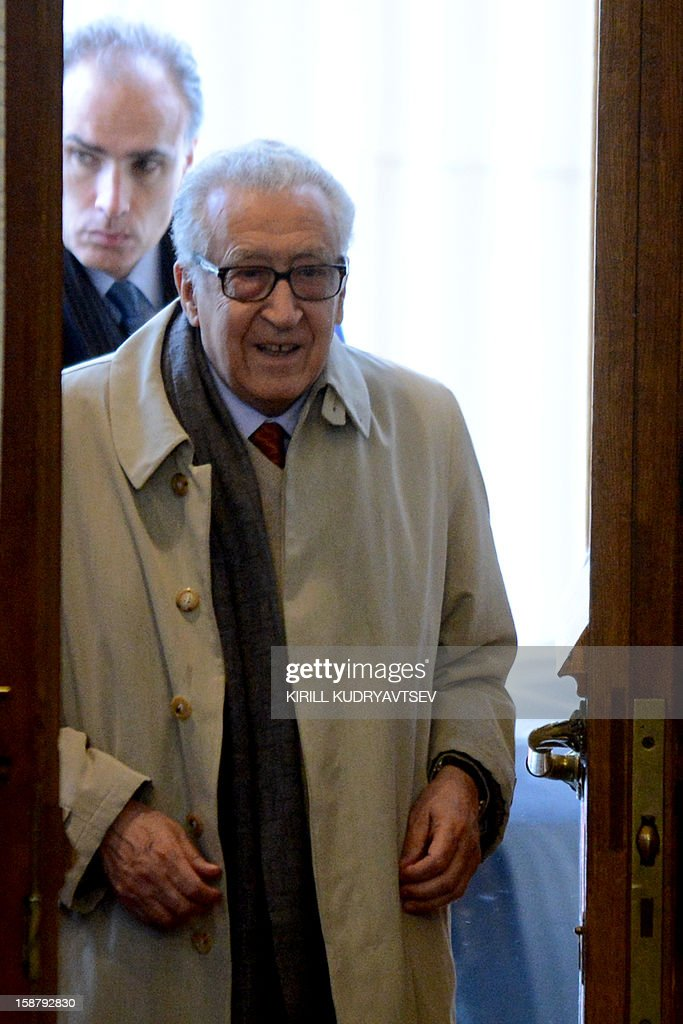UN-Arab League peace envoy Lakhdar Brahimi arrives to talks with Russian Foreign Minister Sergei Lavrov in Moscow on December 29, 2012.