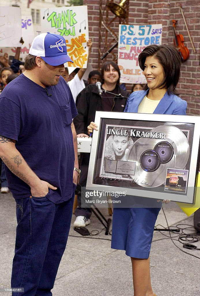 Uncle Kracker and Julie Chen during Uncle Kracker Performs on CBS's 'The Early Show' for VH1's Save the Music at CBS Early Show Studio F Fifth Avenue...