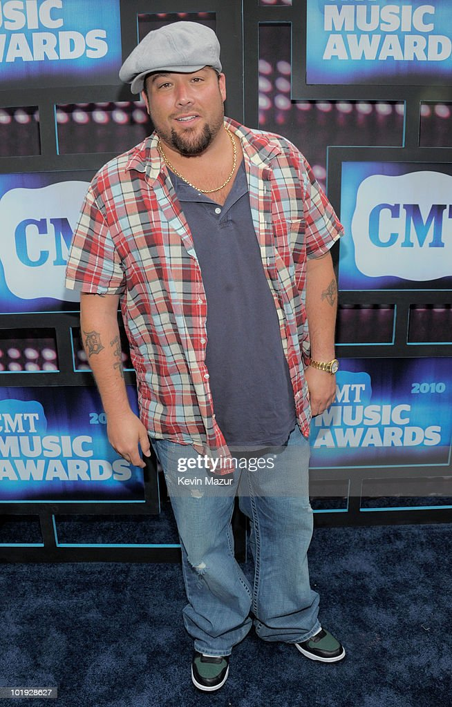 Uncle Kracker attends the 2010 CMT Music Awards at the Bridgestone Arena on June 9 2010 in Nashville Tennessee