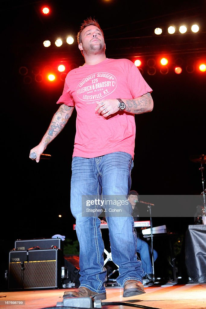 <a gi-track='captionPersonalityLinkClicked' href=/galleries/search?phrase=Uncle+Kracker&family=editorial&specificpeople=227384 ng-click='$event.stopPropagation()'>Uncle Kracker</a> performs at Kroger's Fest-a-Ville on the Waterfront on April 27, 2013 in Louisville, Kentucky.