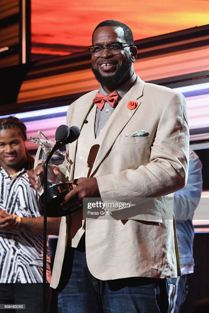 Uncle Luke performs onstage during the BET Hip Hop Awards 2017 at The Fillmore Miami Beach at the Jackie Gleason Theater on October 6, 2017 in Miami Beach, Florida.