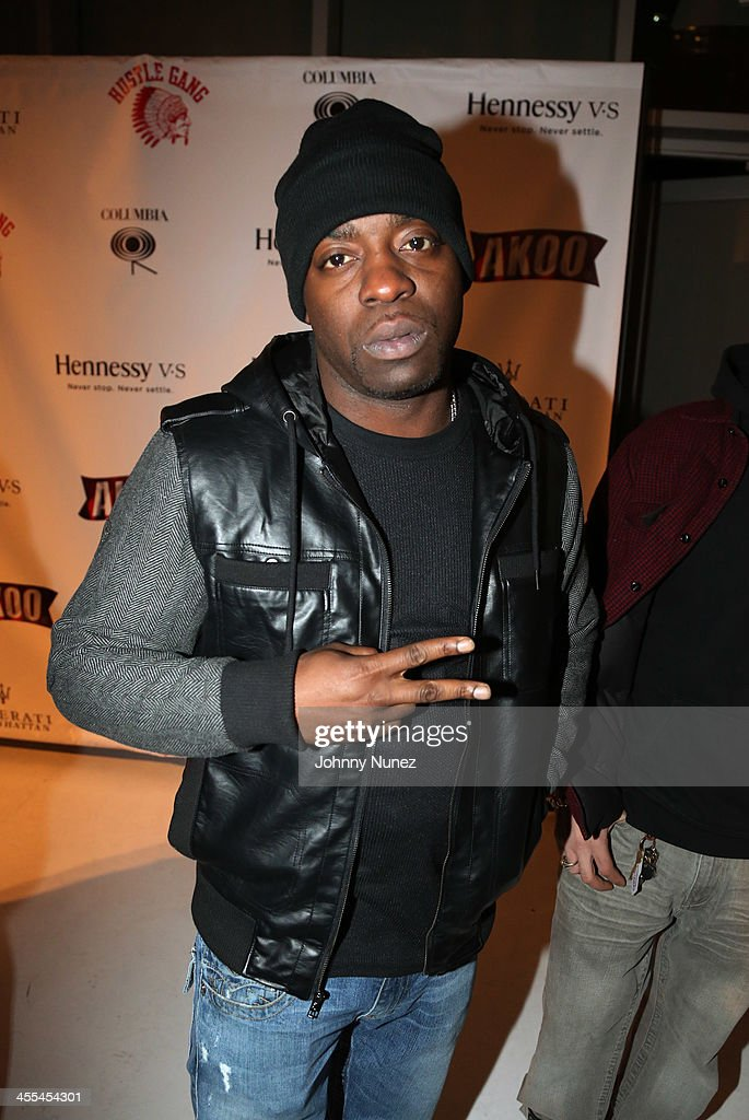 <a gi-track='captionPersonalityLinkClicked' href=/galleries/search?phrase=Uncle+Murda&family=editorial&specificpeople=4320720 ng-click='$event.stopPropagation()'>Uncle Murda</a> attends the Book Of Kings launch event, hosted by T.I. and Iggy Azalea at Pillars 38 on December 11, 2013 in New York City.