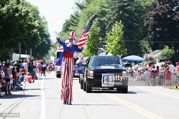Uncle Sam große Mann Marschieren 4. Juli Independence Day Parade