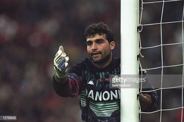 Portrait of Juventus FC goalkeeper Angelo Peruzzi during a match Mandatory Credit Ben Radford/Allsport