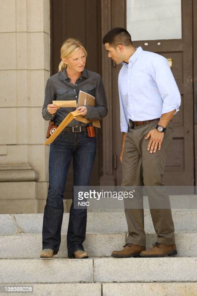 CHASE 'Under the Radar' Episode 102 Pictured Kelli Giddish as Annie Frost Jesse Metcalfe as Luke Watson