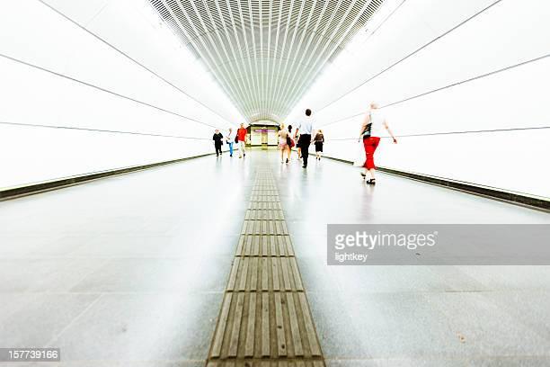 Un túnel subterráneo en metro