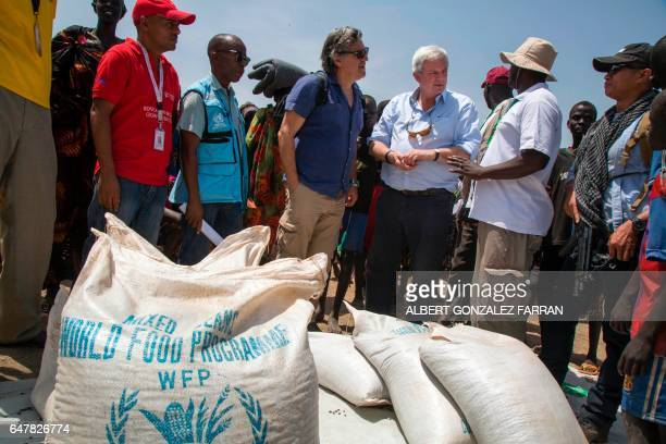 UN UnderSecretary General for Humanitarian Affairs and Emergency Relief Coordinator Stephen O'Brien visits a food distribution on March 4 in Ganyiel...