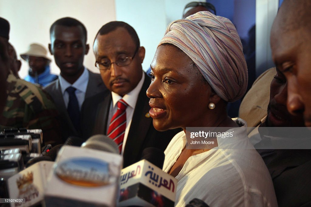 UnderSecretaryGeneral for Humanitarian Affairs Valerie Amos gives a joint press conference with Somali Prime Minister Abdiweli Mohamed Ali during her...