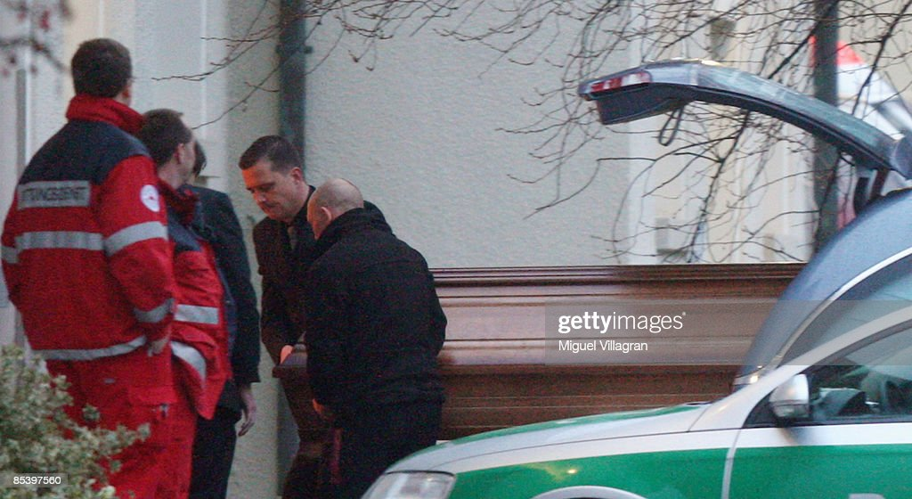 Undertaker carry a casket into the morgue of the center of psychiatry on March 12 2009 in Winnenden Germany17 year old Tim Kretschmer opened fire...