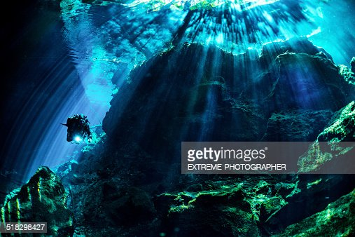 Underwater caves and caverns