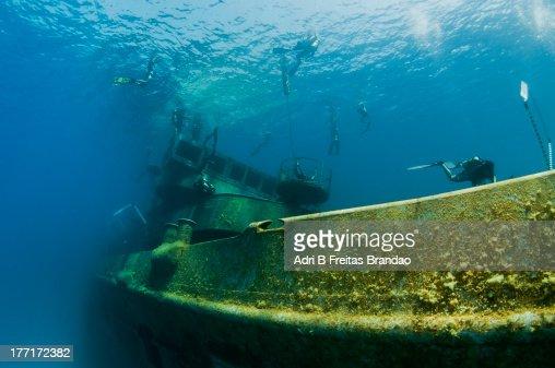 underwater scooter race