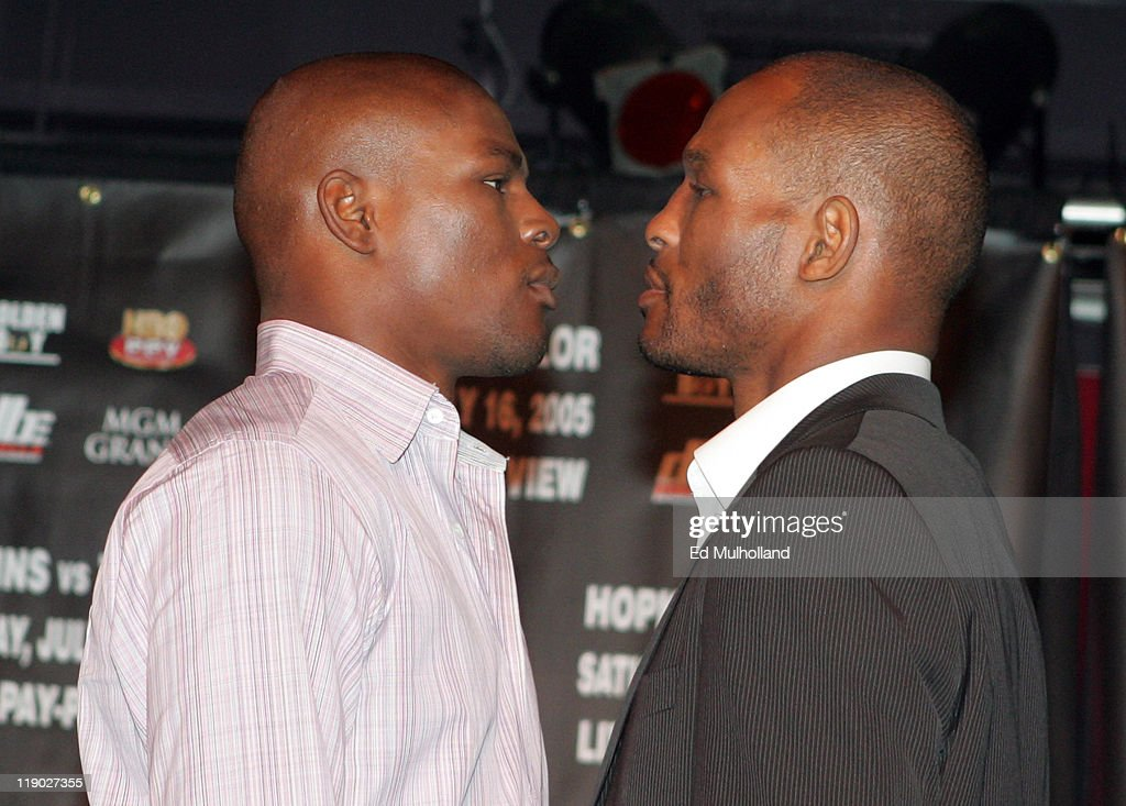 Undisputed Middleweight Champion <a gi-track='captionPersonalityLinkClicked' href=/galleries/search?phrase=Bernard+Hopkins&family=editorial&specificpeople=171200 ng-click='$event.stopPropagation()'>Bernard Hopkins</a> (r) and challenger <a gi-track='captionPersonalityLinkClicked' href=/galleries/search?phrase=Jermain+Taylor+-+Boxer&family=editorial&specificpeople=13524202 ng-click='$event.stopPropagation()'>Jermain Taylor</a> pose during the press conference announceing their upcoming fight at the Copacabana in New York City. The fight will take place at the MGM Grand in Las Vegas, NV.