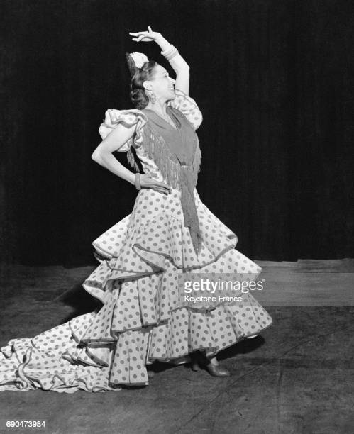 Une danseuse de Flamenco en robe traditionnelle