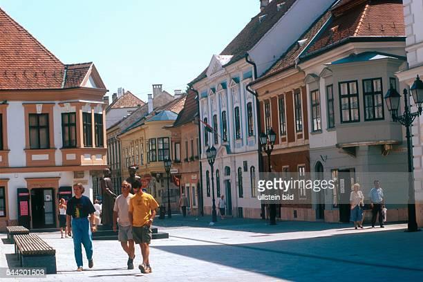 Ungarn Györ Platz in der Altstadt
