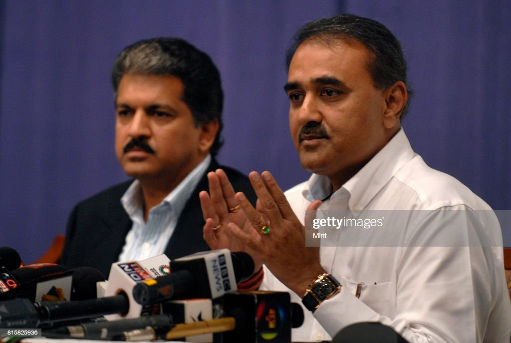 Union Civil Aviation Minister Praful Patel with Anand Mahindra, Independent Director of Air India, announcing the turnaround plans for the years 2010-2014 at a press conference in Mumbai.