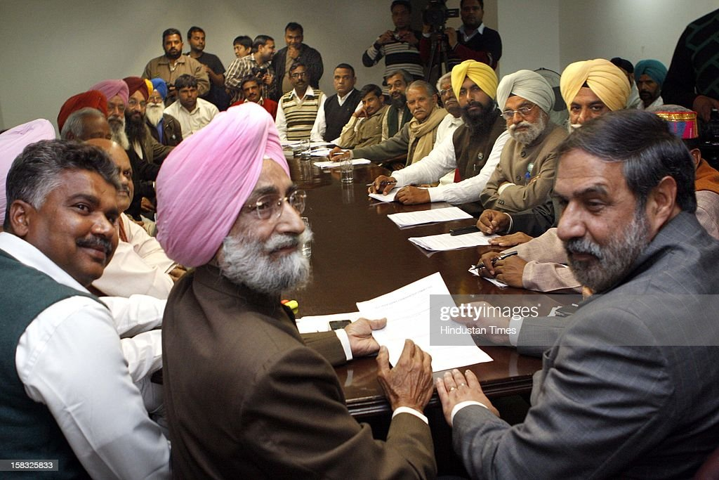 Union Commerce Minister Anand Sharma having the meeting with members of All India Kisan Co ordination Committee in Punjab Bhawan on December 13, 2012 in New Delhi, India.The farmers from all over India met the Union Minister Anand Sharma to press their various demands such as Loan waive off, increase in support price of cotton and wheat and Farmers Pension Fund etc.
