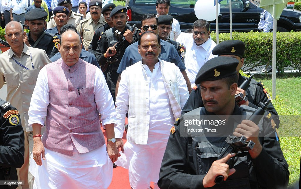 Union Home Minister Rajnath Singh and Jharkhand Chief Minister Raghubar Das proceeding to attend the 22nd meeting of Eastern Zonal Council at IICM campus on June 27, 2016 in Ranchi, India.