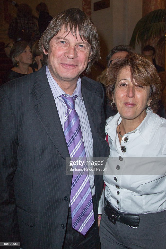 CGT union leader <a gi-track='captionPersonalityLinkClicked' href=/galleries/search?phrase=Bernard+Thibault&family=editorial&specificpeople=658517 ng-click='$event.stopPropagation()'>Bernard Thibault</a> and his wife Muriel attend the Gala de l'Espoir charity event against cancer at Theatre du Chatelet on November 12, 2012 in Paris, France.