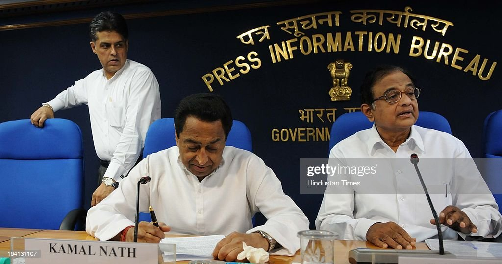 Union Ministers P Chidambaram, talking with Kamal Nath with Manish Tewari during a press conference on withdrawal of support by DMK from UPA government over Sri Lanka issue on March 20, 2013 in New Delhi, India. The government today said that it will move amendments to the resolution on Sri Lanka at the UNHRC by sending a resolute message and denied New Delhi diluted the US-sponsored motion denouncing Sri Lanka over alleged rights abuses.