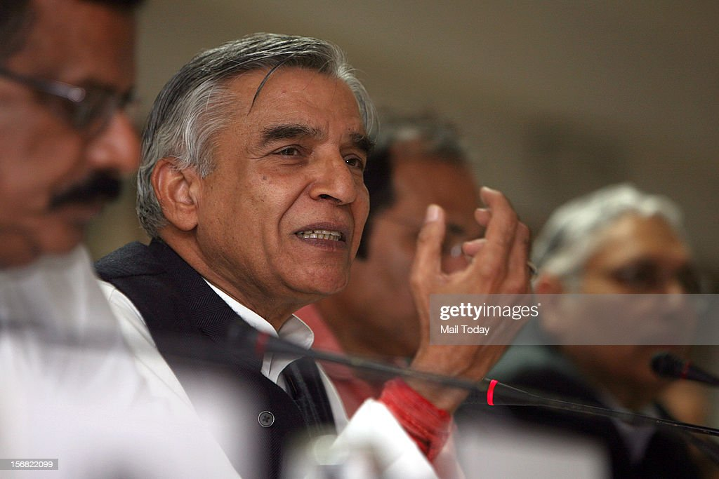Union Railways Minister Pawan Kumar Bansal addressing a press conference to declare, inter-alia the commencement of twenty Budget announced train services, in New Delhi on Wednesday.