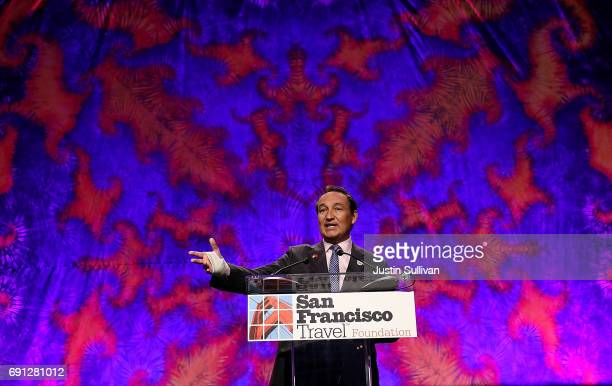 United Airlines CEO Oscar Munoz speaks during the 107th Annual San Francisco Travel luncheon on June 1 2017 in San Francisco California Oscar Munoz...