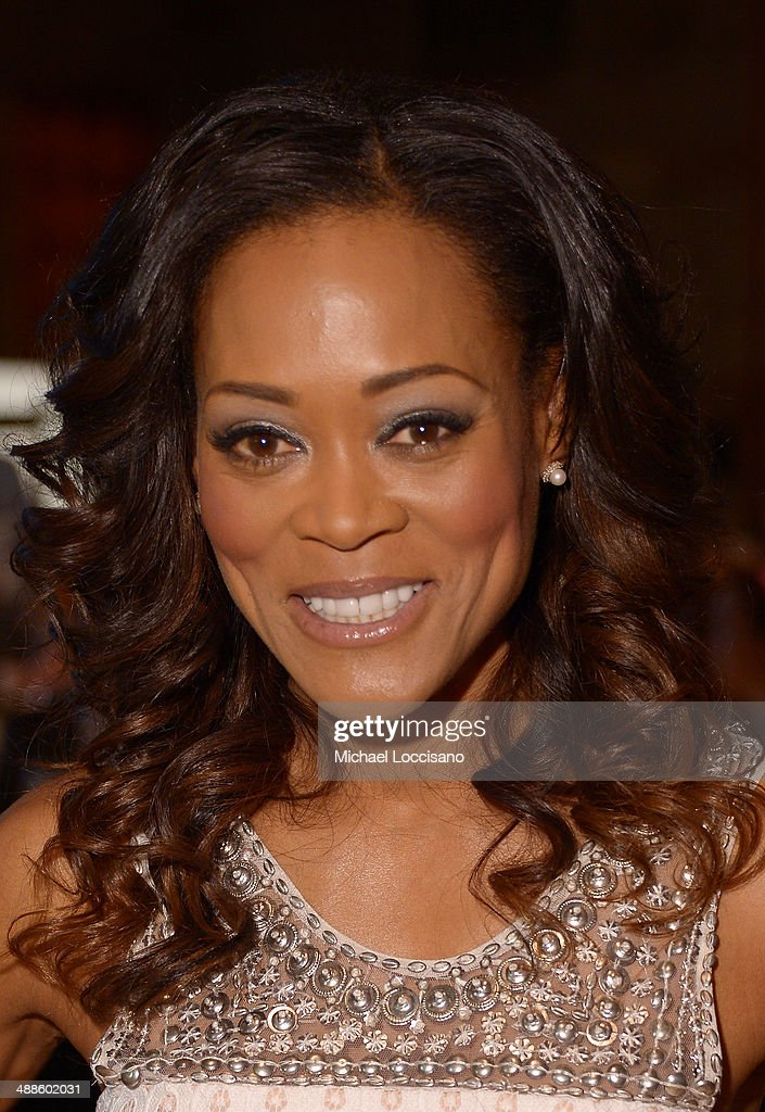 Robin Givens Nude Photos 78
