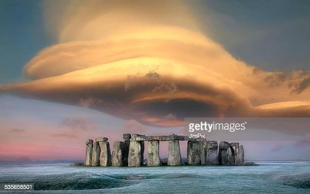 United Kingdom, England, Wiltshire, Storm cloud over Stonehenge